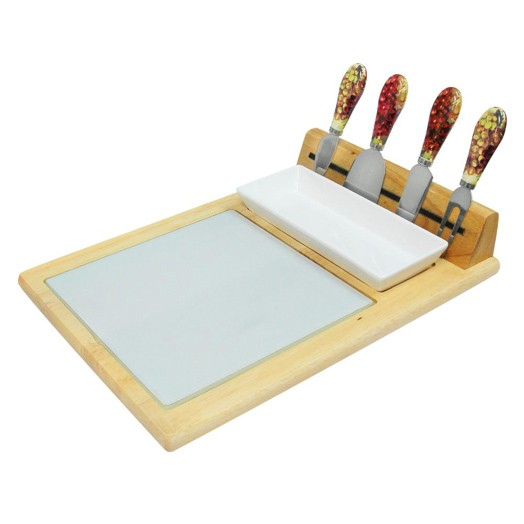 tray with cheese accessories