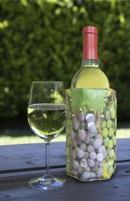 wine bottle outdoors with wine wrap